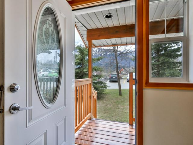 For_sale_Canmore_10_36_Windridge_Road_Exshaw_02